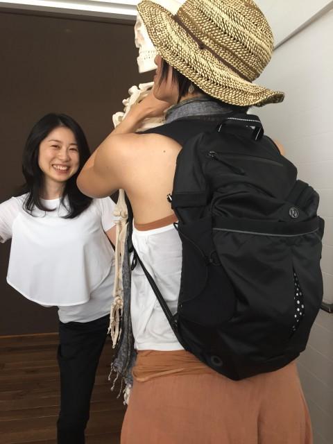 背中にすっきり収まるこちらのバックは、名前の通り、長時間の「ランニング」にとっても便利です。かさばらないし、とっても軽い!